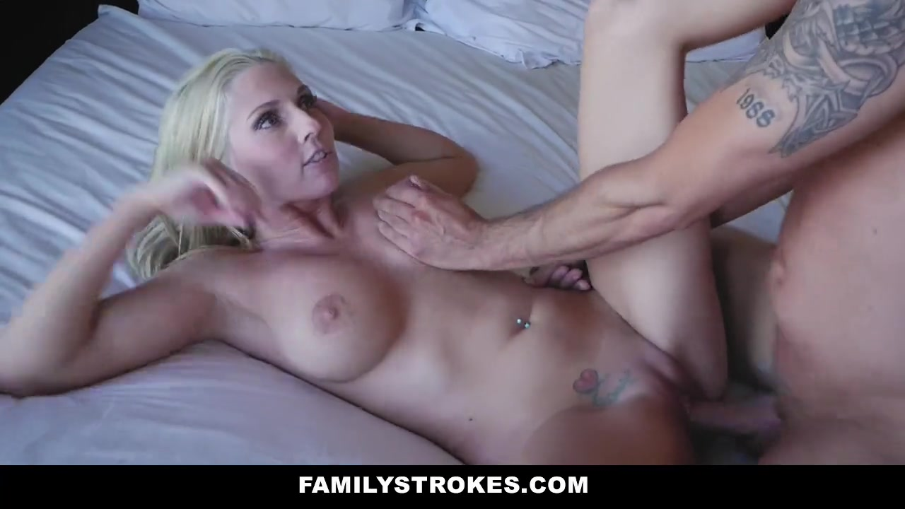 Hot Blonde Milf Seduces